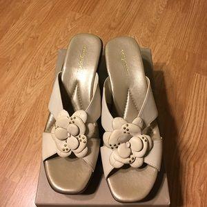 Easy Spirit Shoes - Easy Spirit floral slide sandals