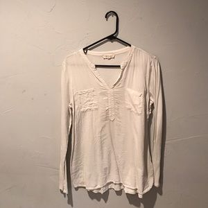 Two by Vince Camuto soft blouse