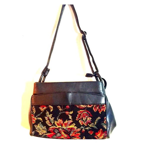 ... Tapestry Black Leather Purse. M 58be5571f739bc79f21115df 8e968022d812a