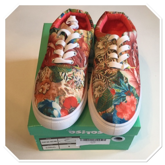 Ositos  Shoes - Coral and Green Floral Sneakers