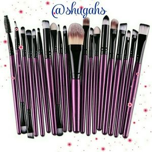 🎉🎊HP Best In Makeup 3-16-17/20 pc makeup brushes