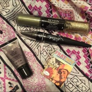 Revlon Other - Eye and cheek bundle