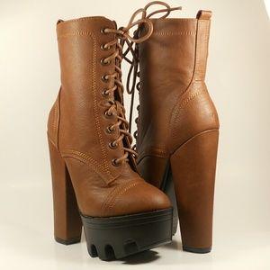 Shoes - TAN CHUNKY HEEL BOOTIES