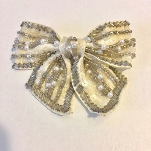 Nordstrom Jewelry - 40%OFF BUNDLE pearl/silver beads cream fabric bow