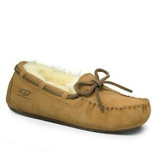 UGG Other - UGG DAKOTA dakota slippers size 2 chestnut ansley
