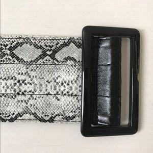 Accessories - Faux snakeskin belt
