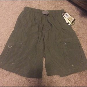 Columbia men's size small 9 inch shorts NWT