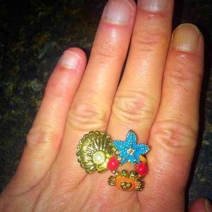 """Betsey Johnson """"under the sea"""" cluster Ring!"""