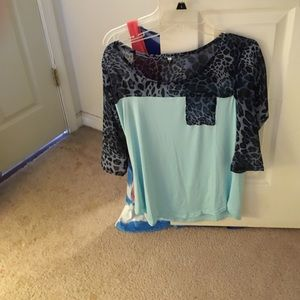 ShuShop Tops - Beautiful mint shirt with leopard print on top