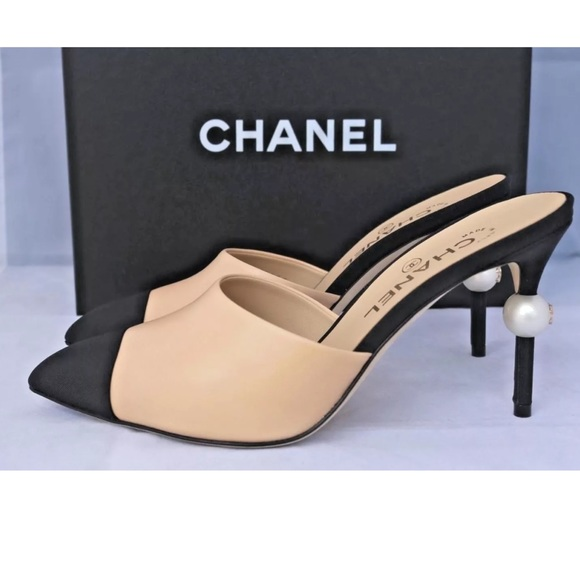 042b283a6 CHANEL Shoes | Beige Leather Slides Mules Pearl Nib | Poshmark