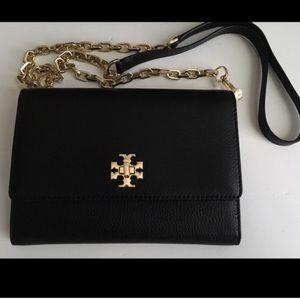 Tory Burch Handbags - NWT Tory Burch Mercer Chain Wallet Crossbody