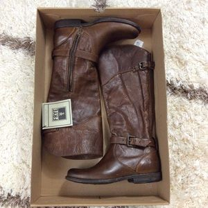Frye Shoes - FRYE BNWT Brown Boots Brand New With Tags