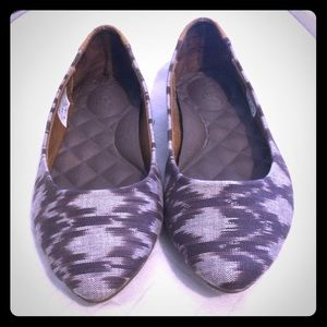 Reef Shoes - Reef Black and White Flats