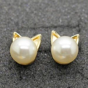 WILA Jewelry - NEW! Cat earrings pearl cat earring posts