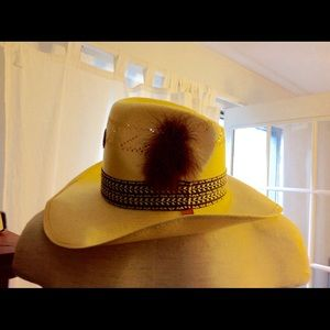 9ca4859f87b57 Levi s Accessories - Vintage Levis Straw Cowboy Western Mens Hat