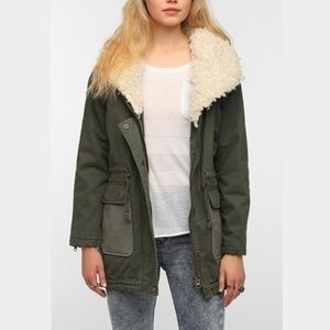 BRAND NEW urban outfitters Sherpa parka jacket