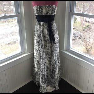 BCBGMaxAzria Dresses & Skirts - BCBG Maxi Dress