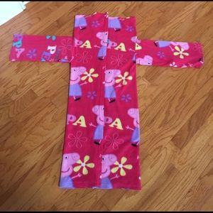 Peppa Pig Other - FLeece PEPPA PIG snuggie blanket