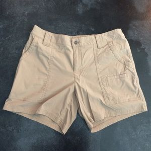 Lucy Pants - Lucy khaki active shorts