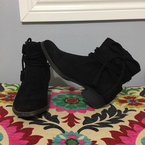 Rampage Bootie. Faux Suede. NWOT