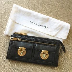 * AUTHENTIC Marc Jacobs wallet