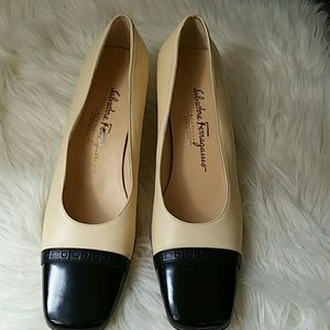Salvatore Ferragamo Shoes - Salvatore Ferragamo shoes size 9 2A