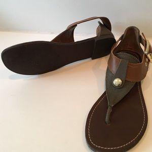 Steve Madden Shoes - Steve Madden thong sandals