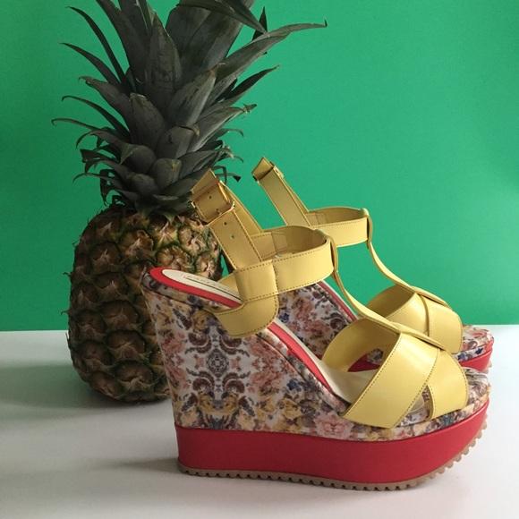 Shoes - Yellow platforms
