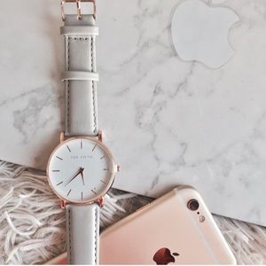 Light Grey Luxury-Styled Watch