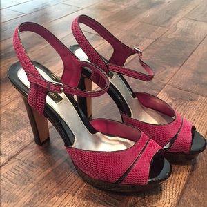 White House Black Market plum/purple heels size 10
