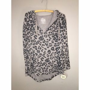 Tops - NEW with Tags Gray Leopard Hoodie sz XS
