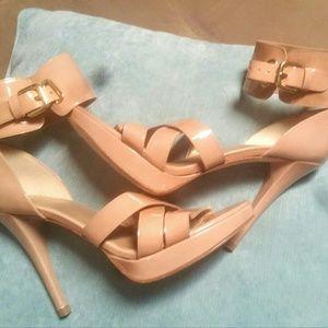 Stuart Weitzman Shoes - $200 OFF! NWOB Stuart Weitzman Nude Patent Heels