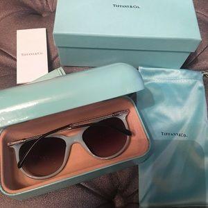 Tiffany & Co. Accessories - Tiffany twisted chain sunglasses