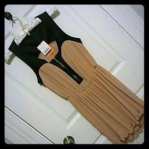 Bershka Dresses & Skirts - Bershka Peach w/Love Dress