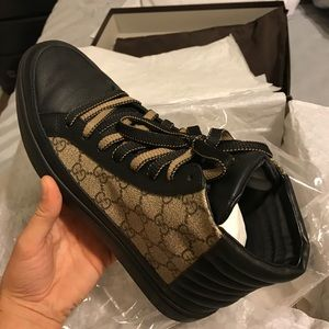 d2fa60547b5 Gucci Shoes - Gucci sneaker authentic Saks fifth purchase