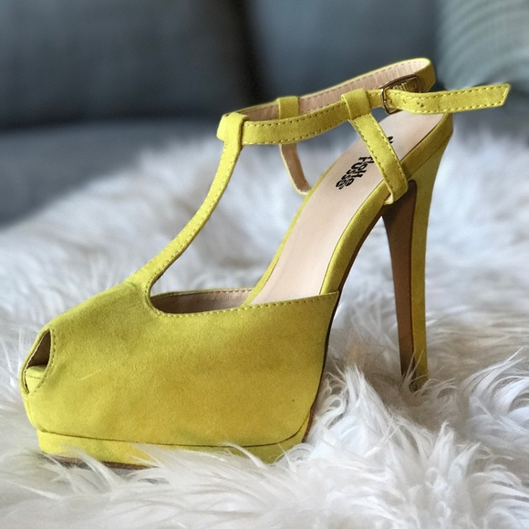 6af854d51cf0 Charlotte Russe Shoes - ️HP️Suede T-Strap Peep