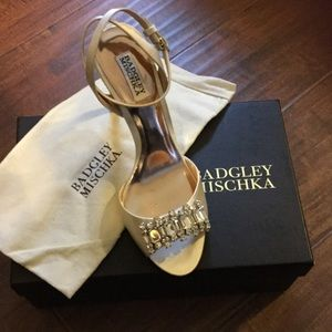 NIB Badgley Mischka heels!!! AHHHH!😍❤️💍