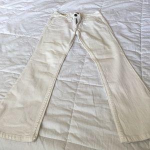 White jean William past