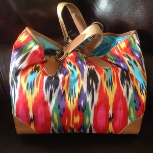 LeSportsac Handbags - Large LeSportsac Printed tote