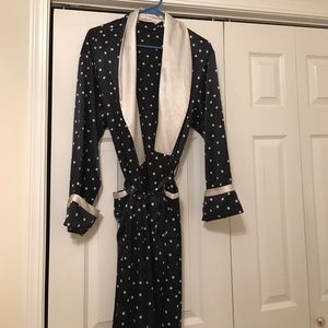 Victoria's Secret Other - Victoria's Secret robe