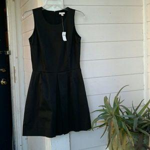 """GAP FIT & FLARE BLACK DRESS """"BRAND NEW"""""""