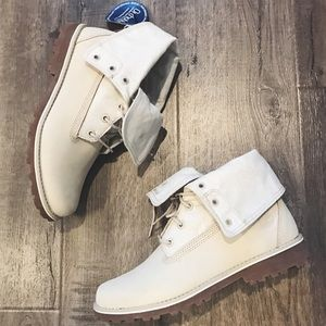 New Timberland white boots