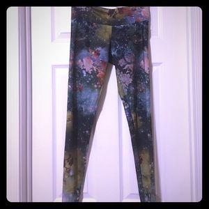 Onzie dance/yoga leggings size Small/Med