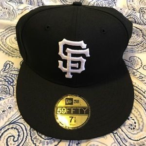 New Era Other - ⭐️reduced⭐️ New Era black and white SF Giants hat