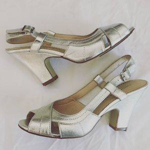Chinese Laundry Shoes - Chinese Laundry Silver Heels - Size 8.5