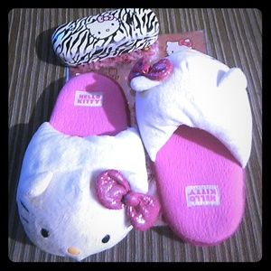 Hello Kitty Other - 🎀 FLASH SALE 🎀 HELLO KITTY KIDS SLIPPERS