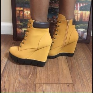 Shoes - Women's wedged booties