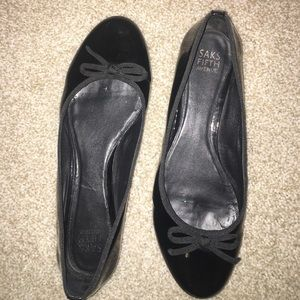 Saks Fifth Avenue Shoes - Saks Fifth Avenue Black Patent Flats Size 10