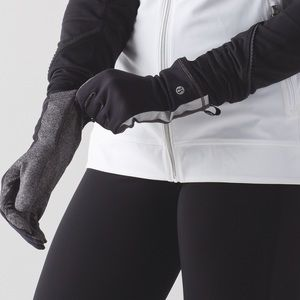 lululemon athletica Accessories - JUST IN✔️ NWT Run with me gloves by Lululemon