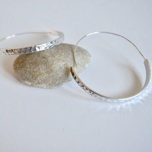 Onlo Boutique Jewelry - Hammered Hoops Earrings